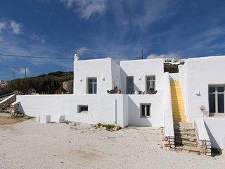 3 bedroom Villa Quintet at unique location in Kostos with panoramic views!
