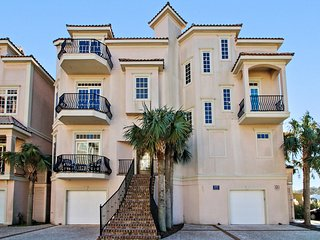12 Whelk Street: Oceanview, Steps to the Beach
