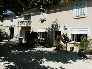 LS7-115 LOU CREIS Semi detached house with private swimming-pool