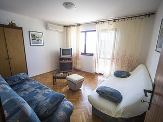 Two bedroom apartment Maslinica, Šolta (A-774-b)