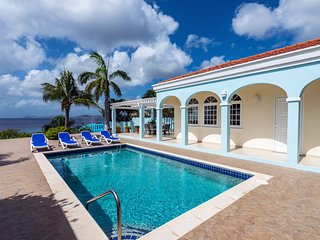 Oceanfront Vacation Home, Private Pool, Direct Beach Access, 3 bedrooms, 2 baths