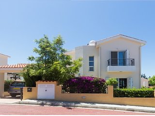 Villa Astra. Luxury Family Villa with private pool, A/C, WiFi, BBQ