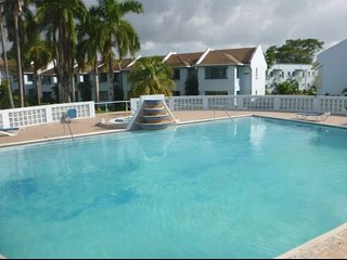 Beautiful & Clean Condo located on 2 beaches free airport transfer free wifi.