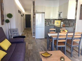 Bonito apartamento con terraza. Benidorm