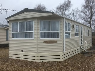 Superior 2 Bedroom, 6 Berth Caravan