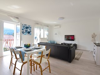 NEW! Sea & Hills. Modern suite with terrace.