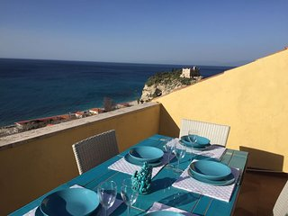 Charming sea view apartment in Tropea center