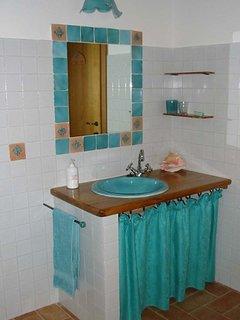 Small Apartment - the Bathroom