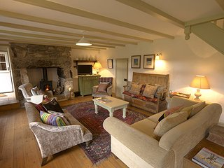 Heather Cottage - Charming Cornish Cottage only 10 minutes drive from St Ives