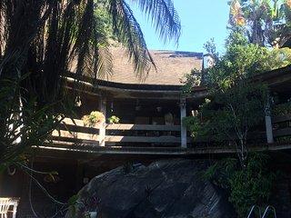 Duas lindas casas em meio a Floresta da Tijuca
