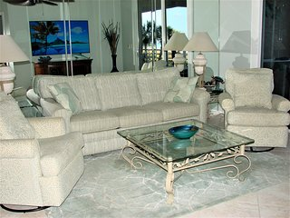 Updated Luxury Beachfron Condo with Stunning View!