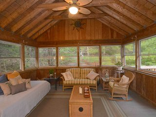 Truro Hideaway - Private, Close to Town & Beaches