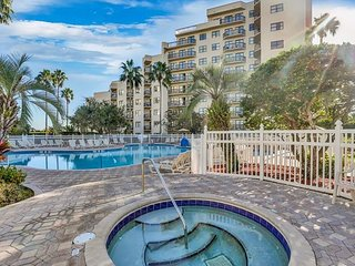 RESORT STYLE LIVING! CLOSE TO ALL ATTRACTIONS!!!