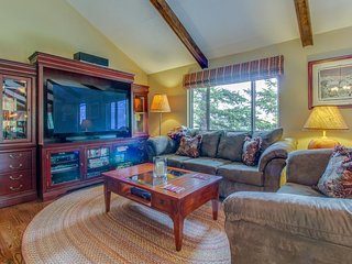 Spacious mountain home w/ deck & views - close to the lake!