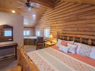40% OFF SPRING SPECIAL! Hidden Pines 'Yellowstone Getaway'