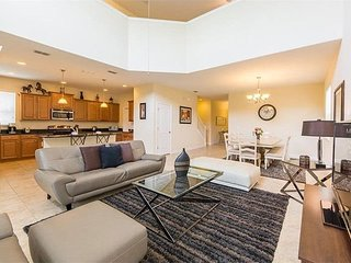 8975CPR. Gorgeous 5 Bedroom 5 Bath Disney Area Resort Pool Home
