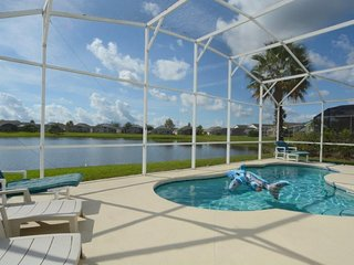 1029SEP. Fabulous 3 Bedroom 2 Bath Villa with Stunning Lake View in Kissimmee