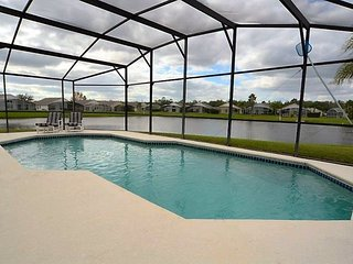 1012PC. Lake View 3 Bedroom 2 Bath Pool Home In Kissimmee