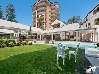 1930s Colonial Beach House in Broadbeach