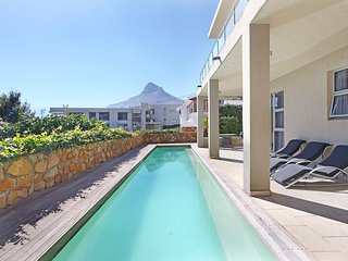 4 Bed Camps Bay Villa - The Rocks