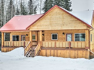 NEW! 2BR Soldotna Townhome Steps From Kenai River!