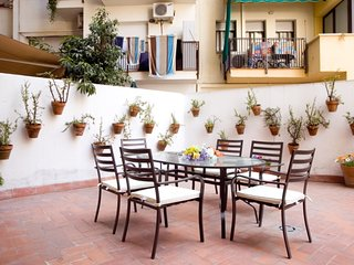 Large apartment near Plaza Espana, with a nice and sunny terrace