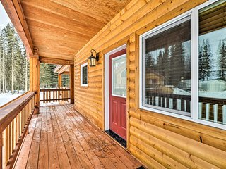 NEW! 2BR Townhome By Kenai River w/Deck & Fire Pit