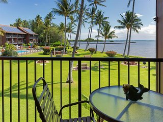 High Luxe Style! Open Kitchen, Ceiling Fans, Flat Screen+OV Lanai–Molokai