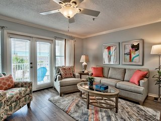Renovated 1 Bedroom Grand Caribbean East~Great location in popular Crystal Beach