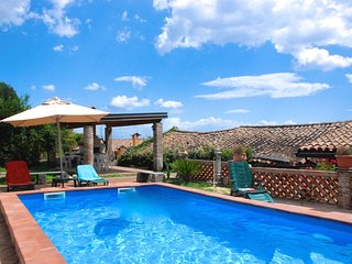 La Vecchia Torre- beautiful villa surrounded by greenery located between the bea