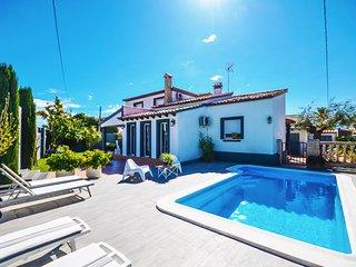 Magnífica Villa con Piscina a pocos metros del Mar