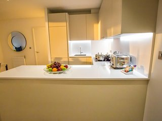 GIGLI Luxury Apartments London Wembley- 2BR 2BA Garnet