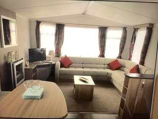 Great Yarmouth havens 3 Bed 8 Berth luxury caravan ramp access dog friendly