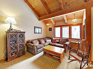 Granlibakken Resort 3BR w/ Heated Pool, Hot Tub & Sauna - Minutes to Slopes