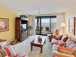 Windward Pointe #1502 TOP floor = GREAT VIEWS