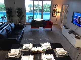MIAMI SOUTH BEACH 4 GUESTS!+Pool+Beach Front - 03
