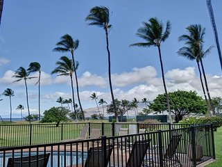 Unobstructed Ocean Views, Pool & Beach Access - 2BR in Waipuilani Park