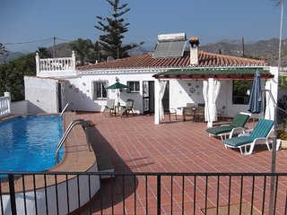 Detached villa with private pool, sea and mountain views. 2 bedrooms 2 bathrooms