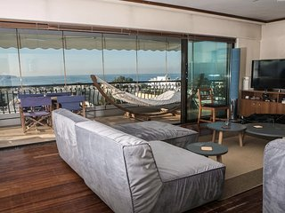 Sea view Athenian Riviera Penthouse next to the beach