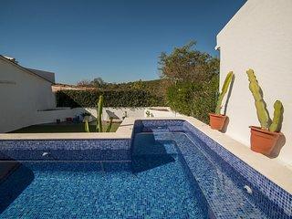 Traditional Countryside Quinta in Santa Barbara de Nexe, Faro, Algarve