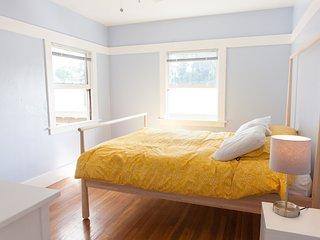 Bright Penthouse Craftsman Flat