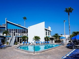 Madeira Beach Yacht Club - April Escapes at Incredible Prices!