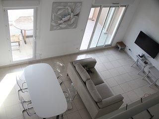 Fantastic 3 bed apartment T4 110 sq m next to Parc
