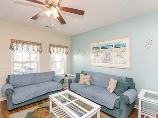 Gulf Stream 301; 3 BEDROOM, 2.5 BATH Walk To The Beach