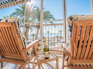 'NIZA II', amazing terrace in Playa de San Juan. Pool. WIFI