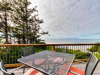 Charming beach house w/private hot tub & stellar ocean view!