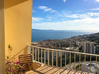A saisir Pâques à Ajaccio : bel appartement vues mer