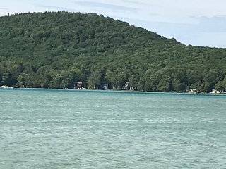 Glen Arbor Area - Little Glen Lake Cottage - Private Waterfront