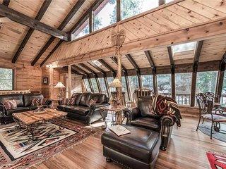 Antler Mountain Lodge, 4 Bedrooms, Pet Friendly, Game Room, Sleeps 12 - Cabin