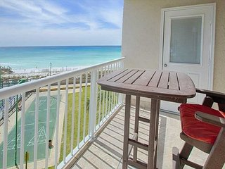 Gorgeous emerald gulf front view from private balcony #405!